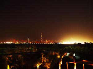Silueta nocturna a Dubaiului